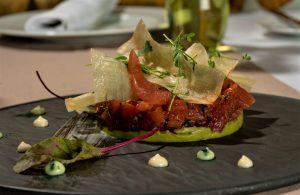 tartar de atún con pimienta palmera de Jonay Darias, Restaurante Laguna Nivaria